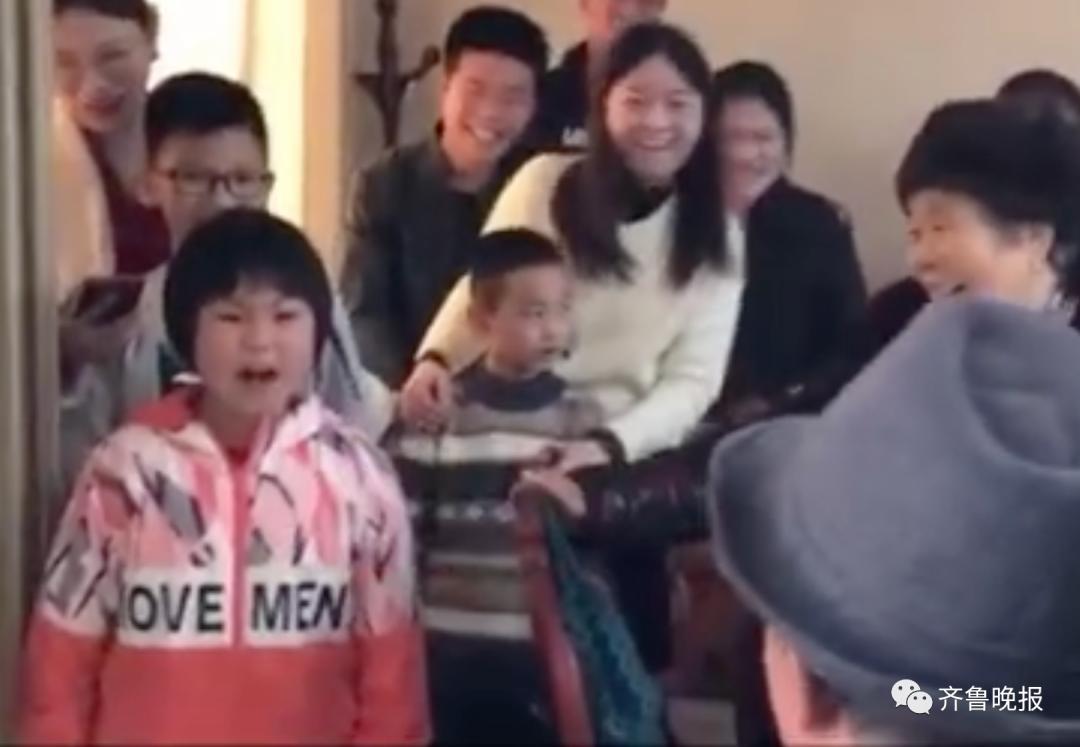 7岁女孩为80岁老姥爷霸气喊祝福祝寿太好笑了 网友来自灵魂的呐喊