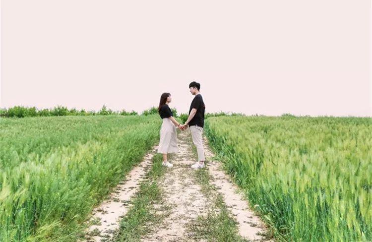520情侣拍照着学超简单!情侣拍照姿势大全情侣拍照攻略