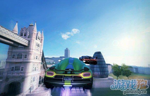 《狂野飙车8》如何玩空中飞跃?